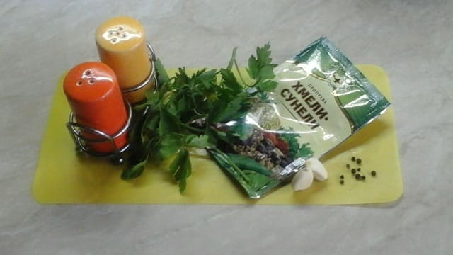 Ингредиенты для мясных рулетиков
