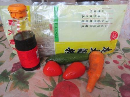 Продукты для салата с фунчозой