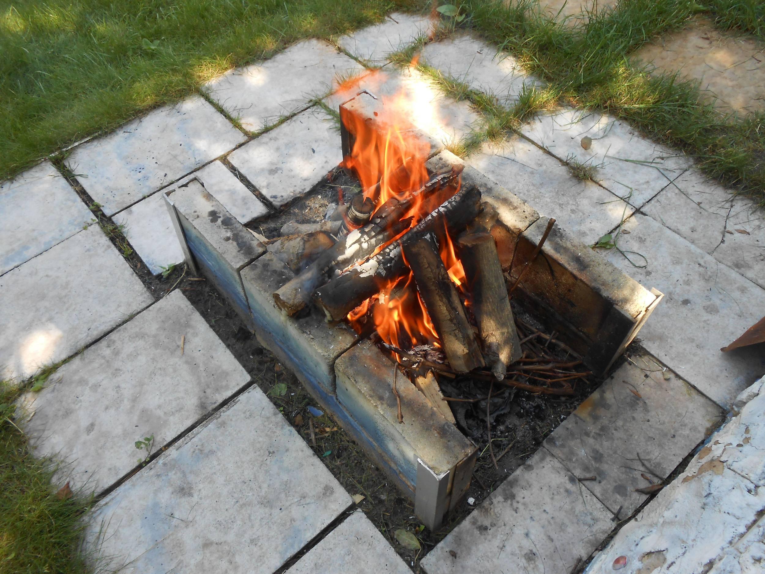 Дрова для жарки шашлыка на даче